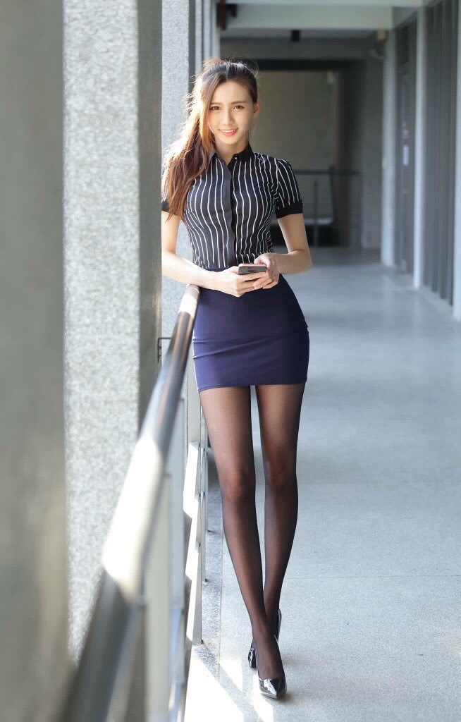 台湾美女CandiceのOL美脚 8