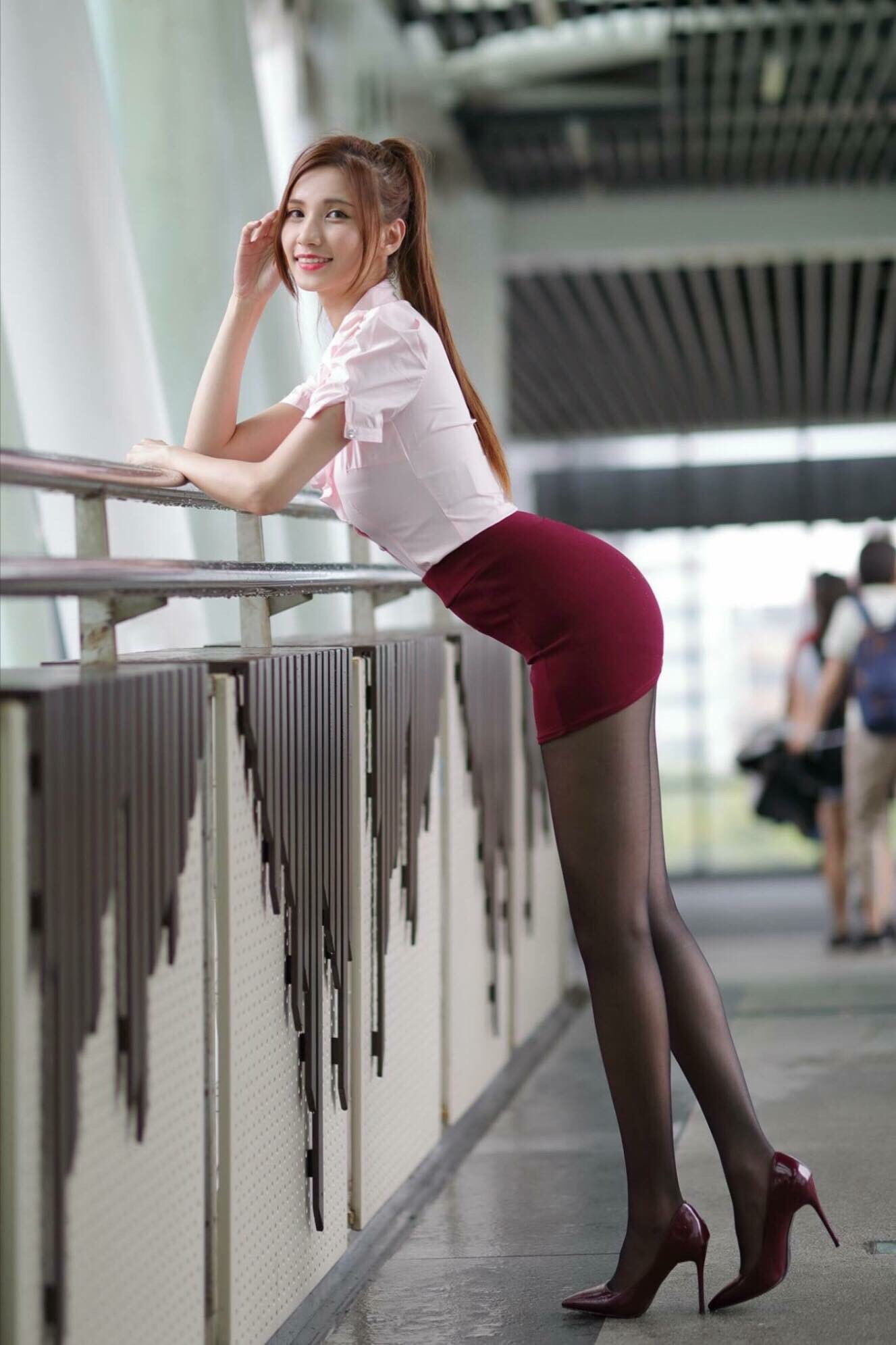 台湾美女CandiceのOL美脚 12
