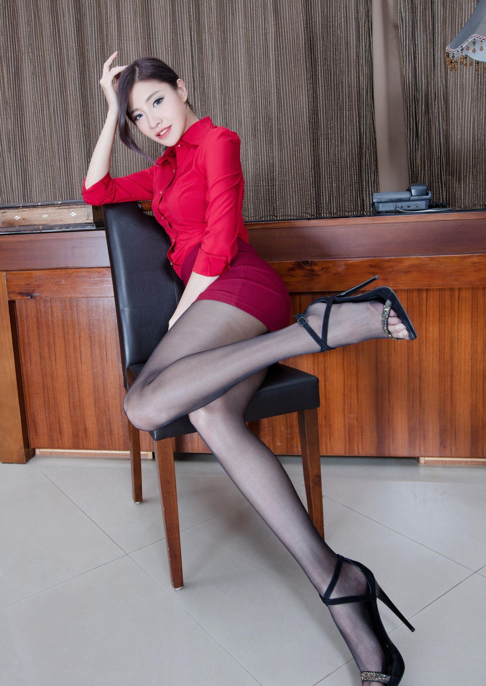 台湾モデルAbbyのパンスト足 18