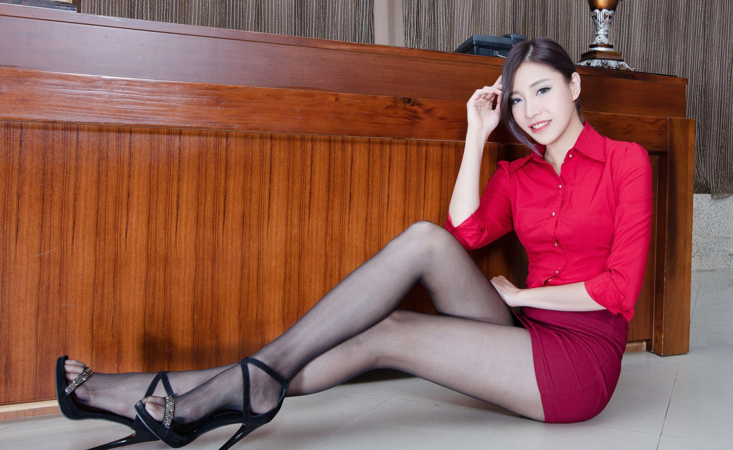 台湾モデルAbbyのパンスト足 23