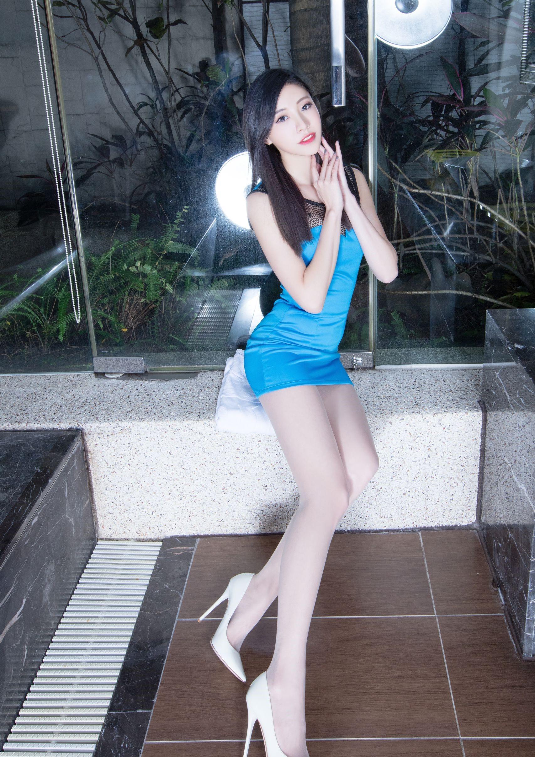 台湾の美脚モデルAbby 12