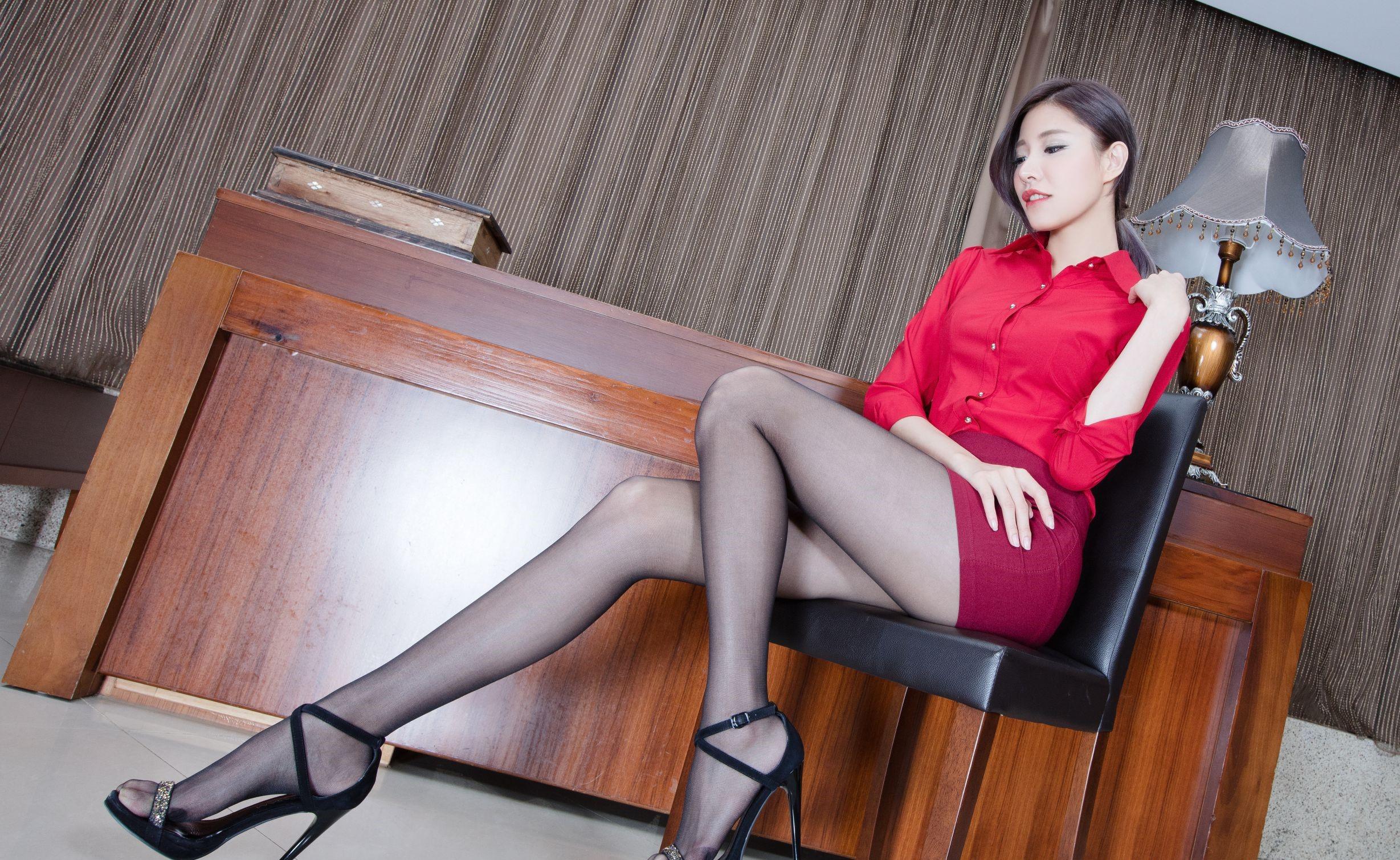 台湾モデルAbbyのパンスト足 8