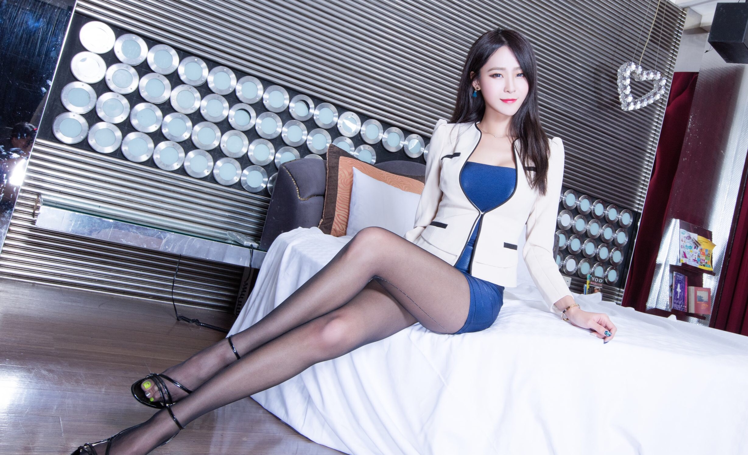 BEAUTYLEG WinnieのOL美脚 11