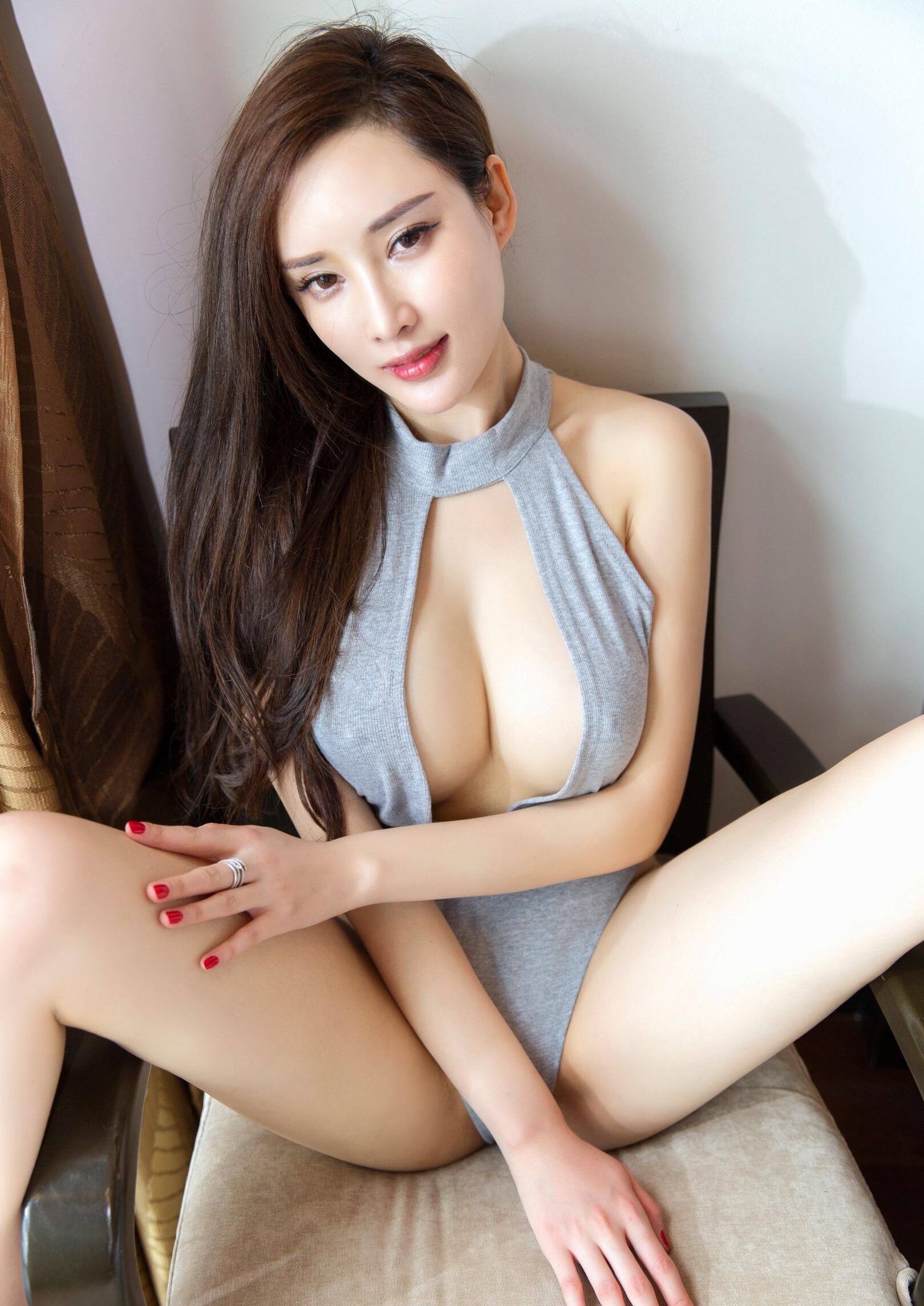 Zhou Yanxi周妍希の乳首