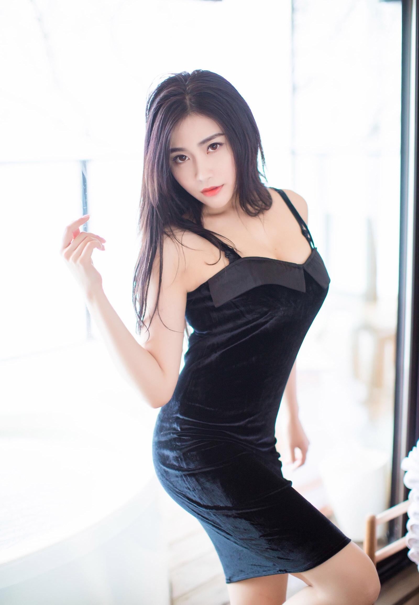 Xu Nuoのセクシーワンピ