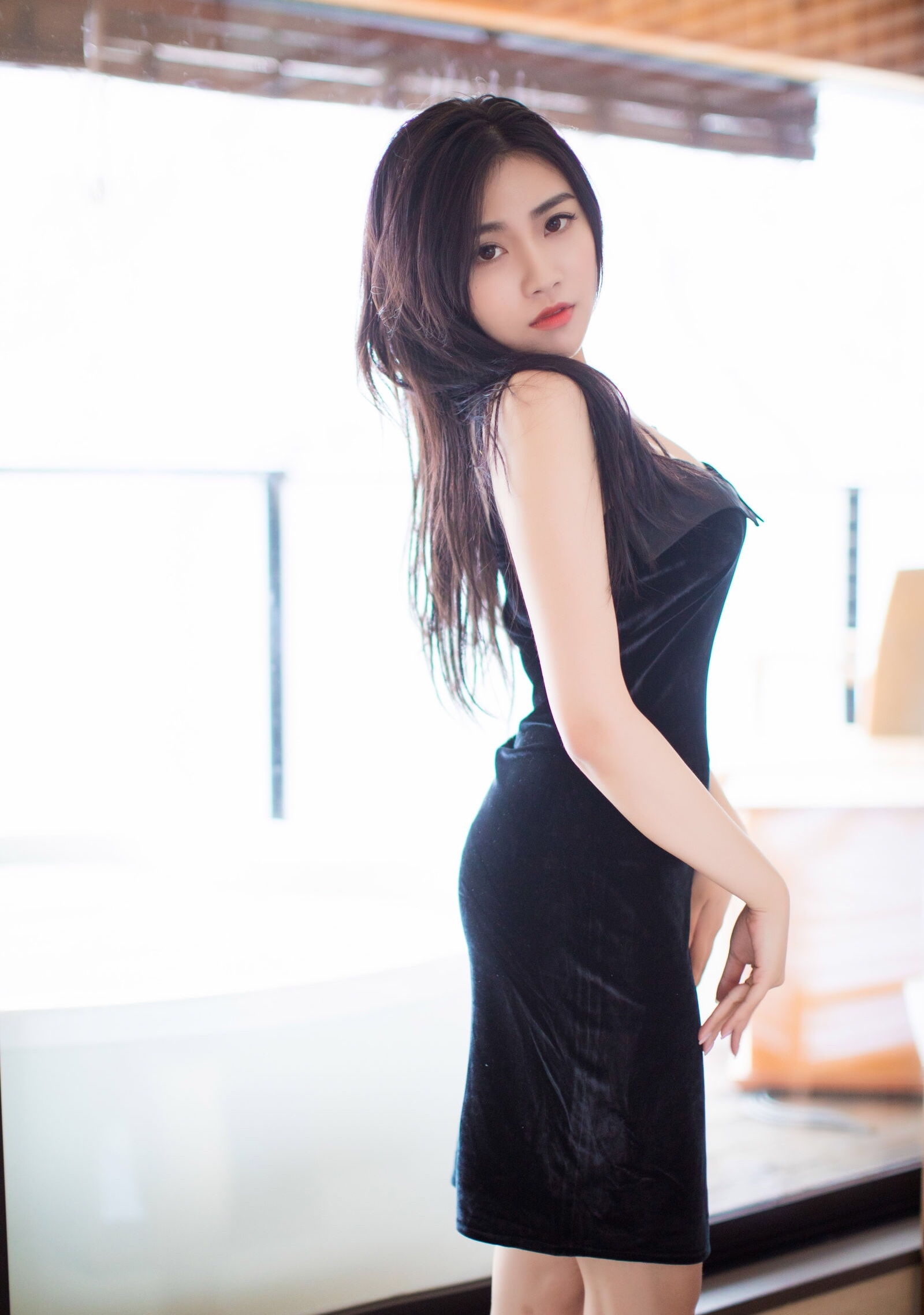 Xu Nuoのセクシーワンピ 3