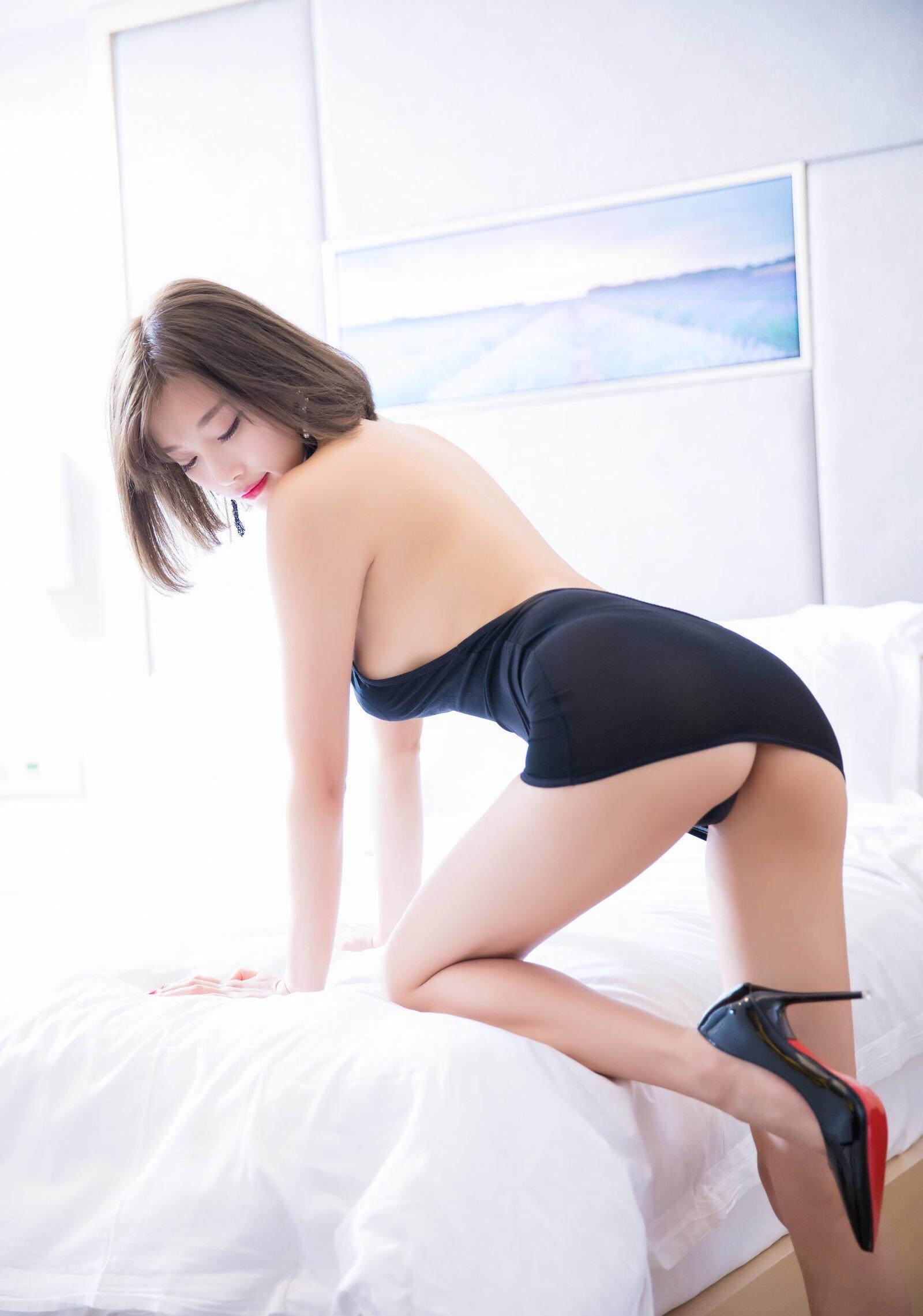 杨晨晨のセクシーすぎるボディコンドレス 3