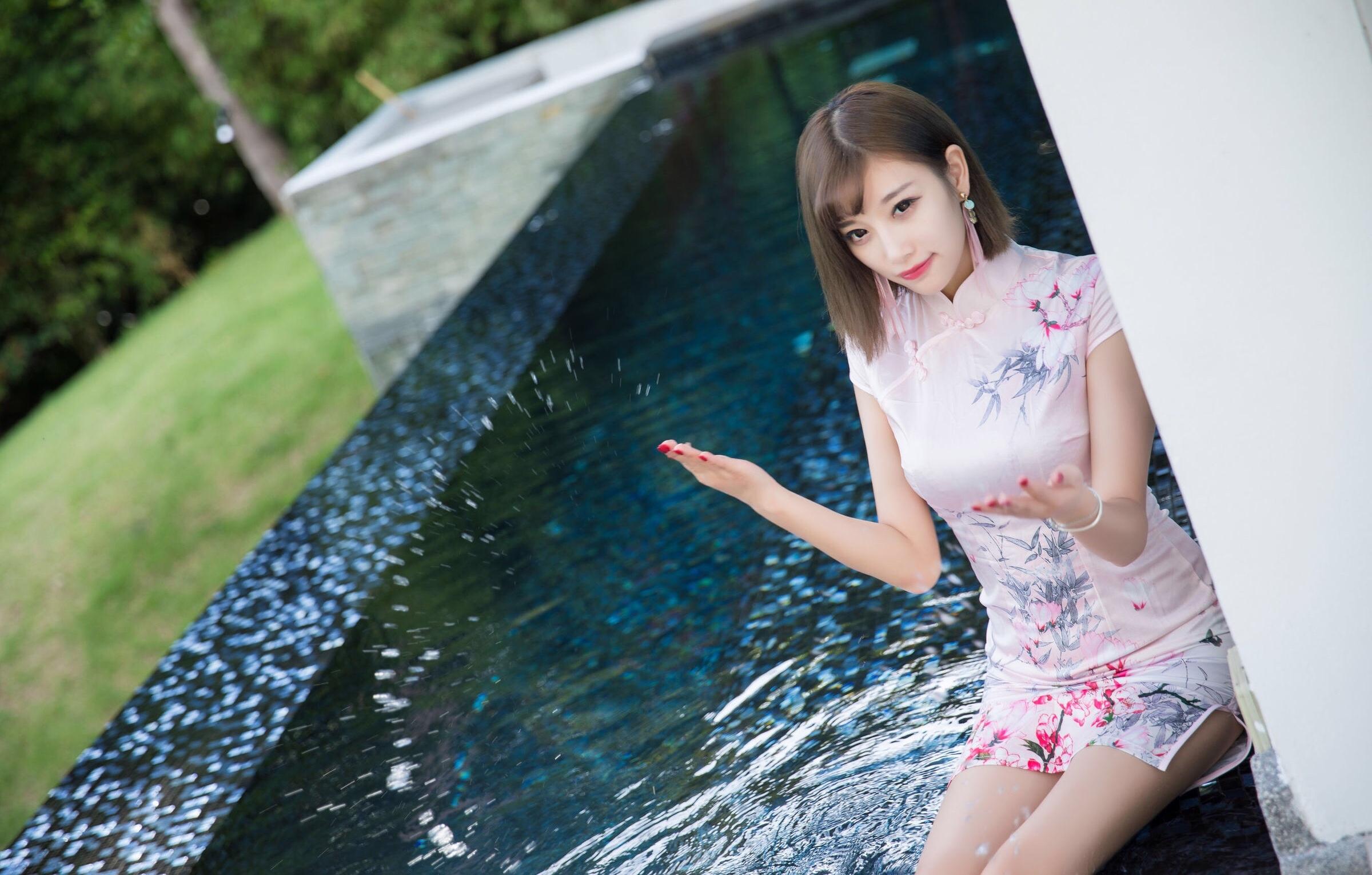 台湾美女sugarの色気のあるチャイナドレス姿 14