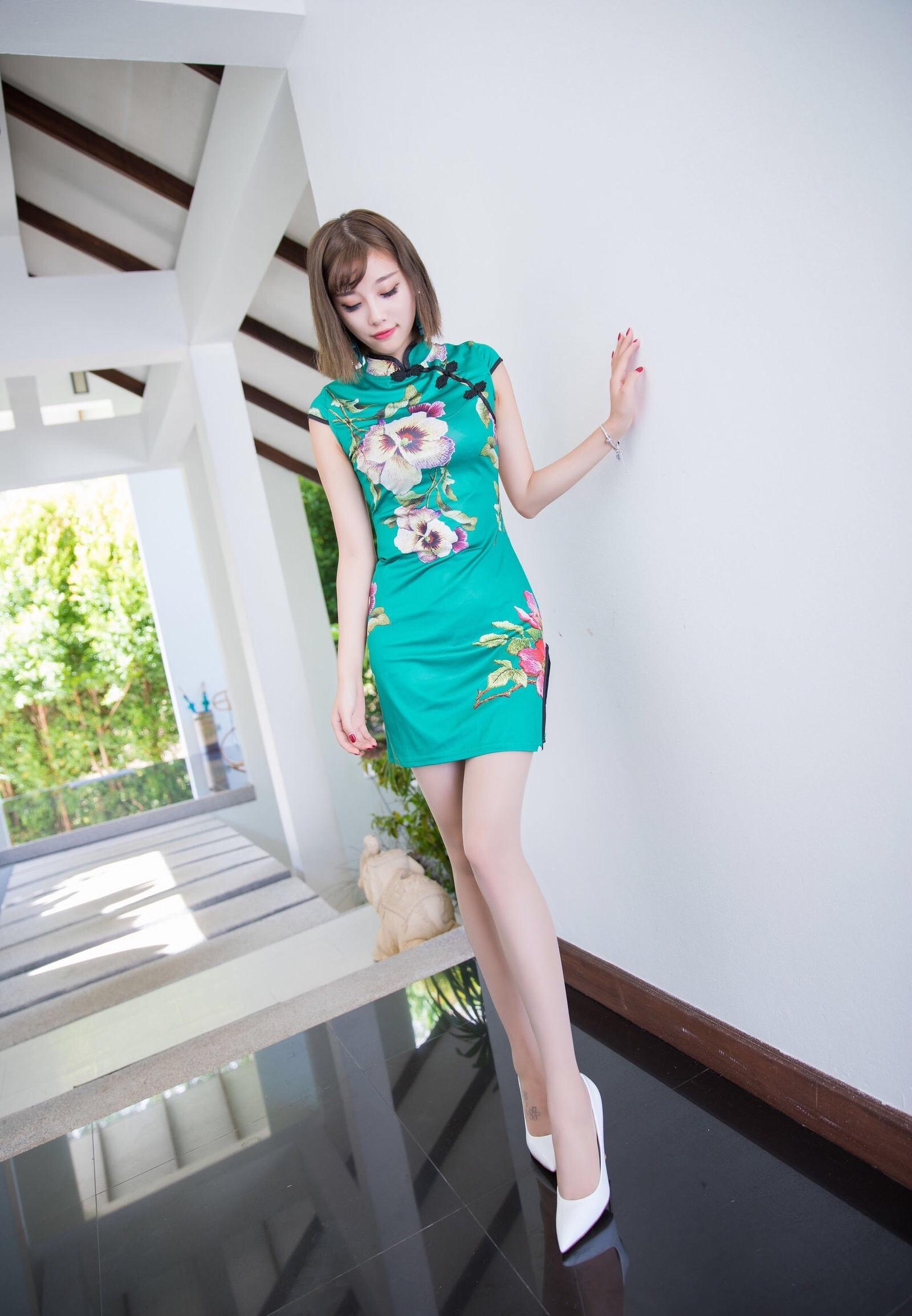 台湾美女sugarのセクシーチャイナドレス 3