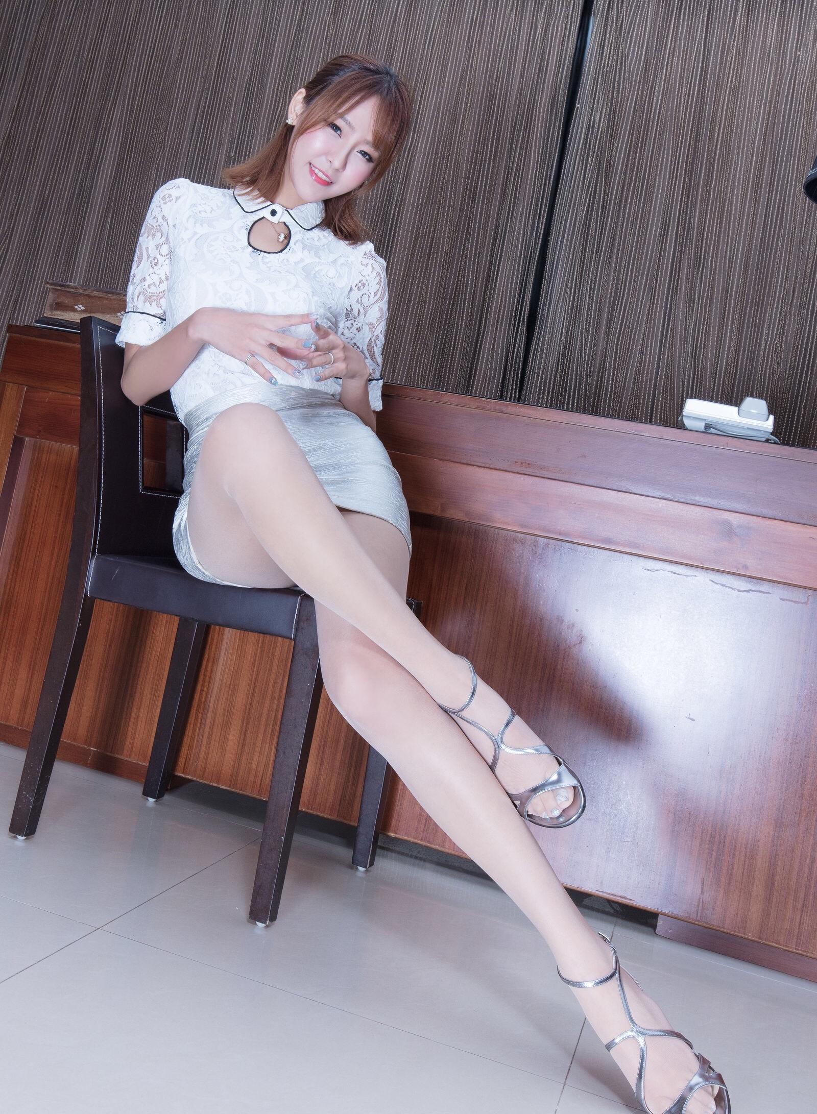 腿模Winnie(超短裙) 4