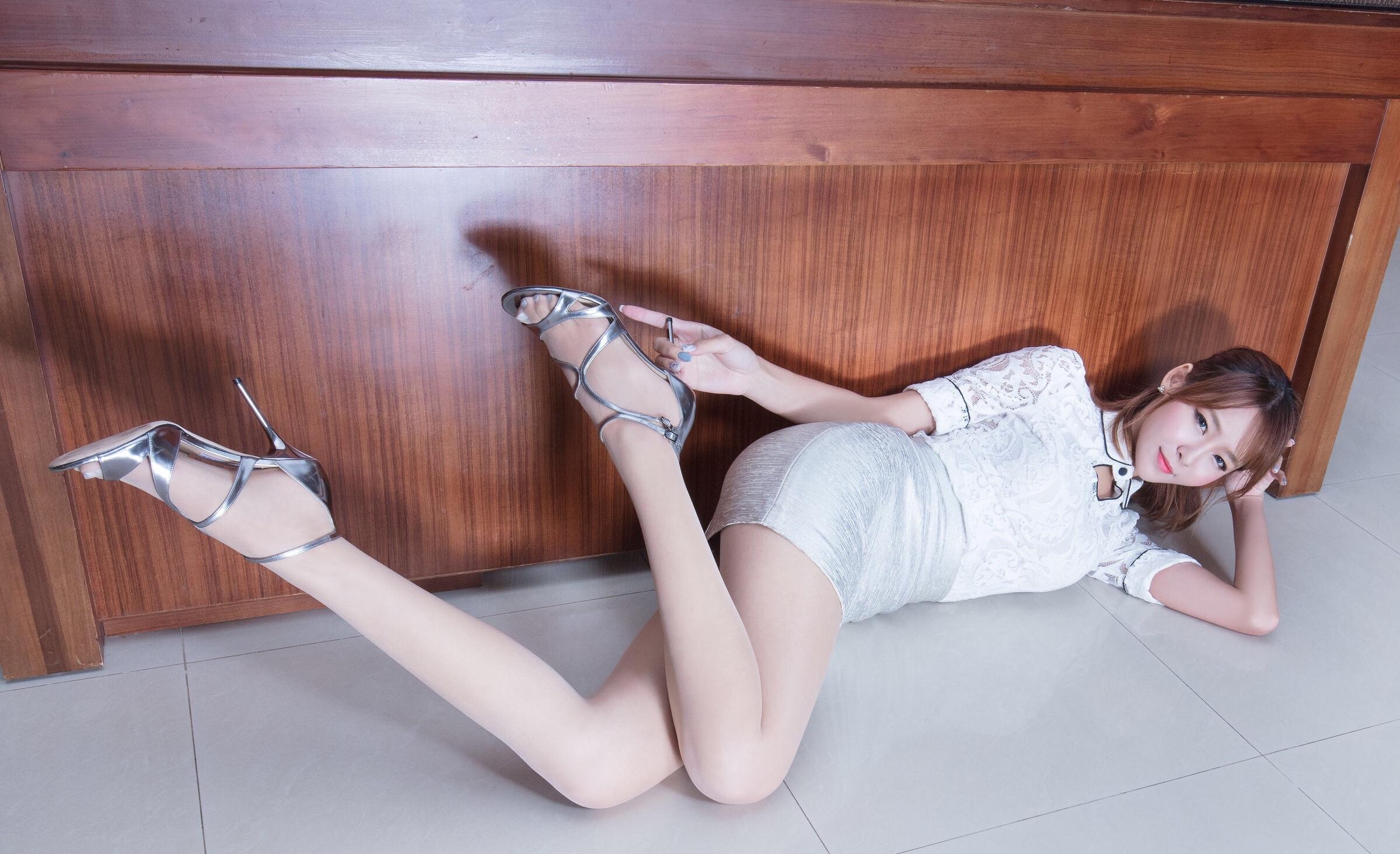 腿模Winnie(超短裙) 8