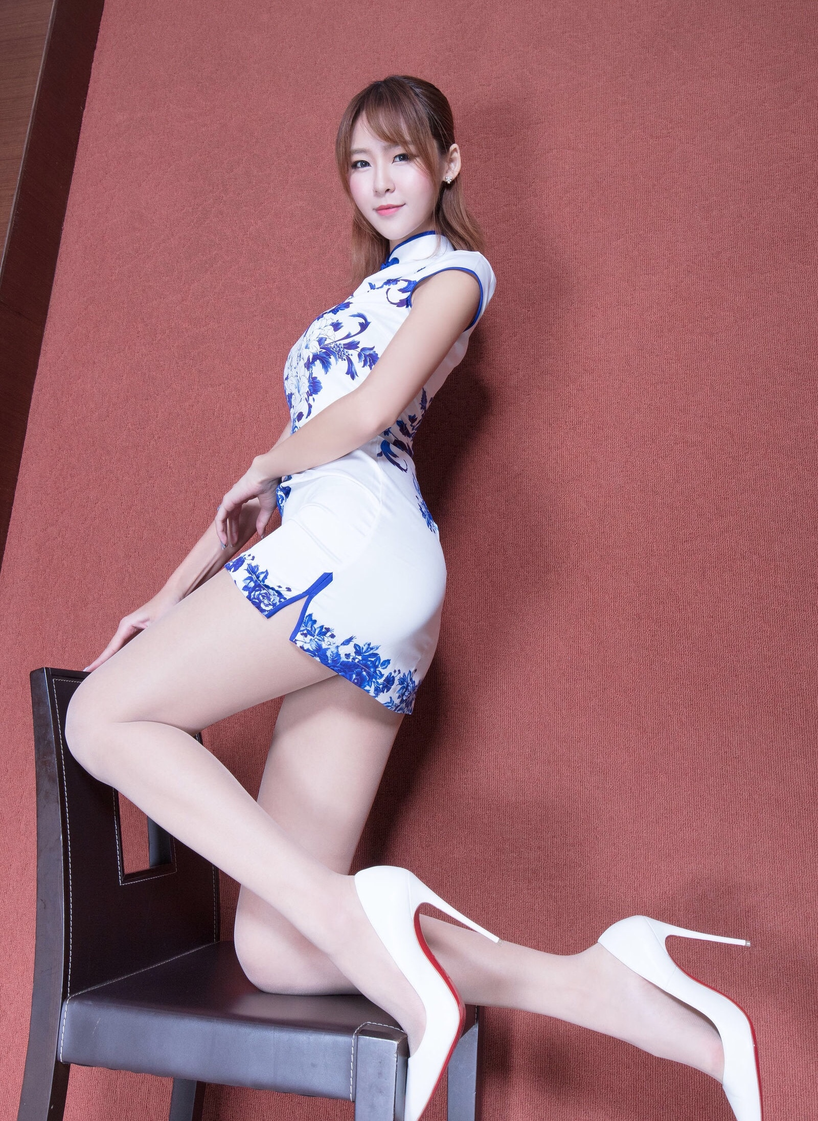 beautyleg model winnie(青花旗袍肉丝) 12