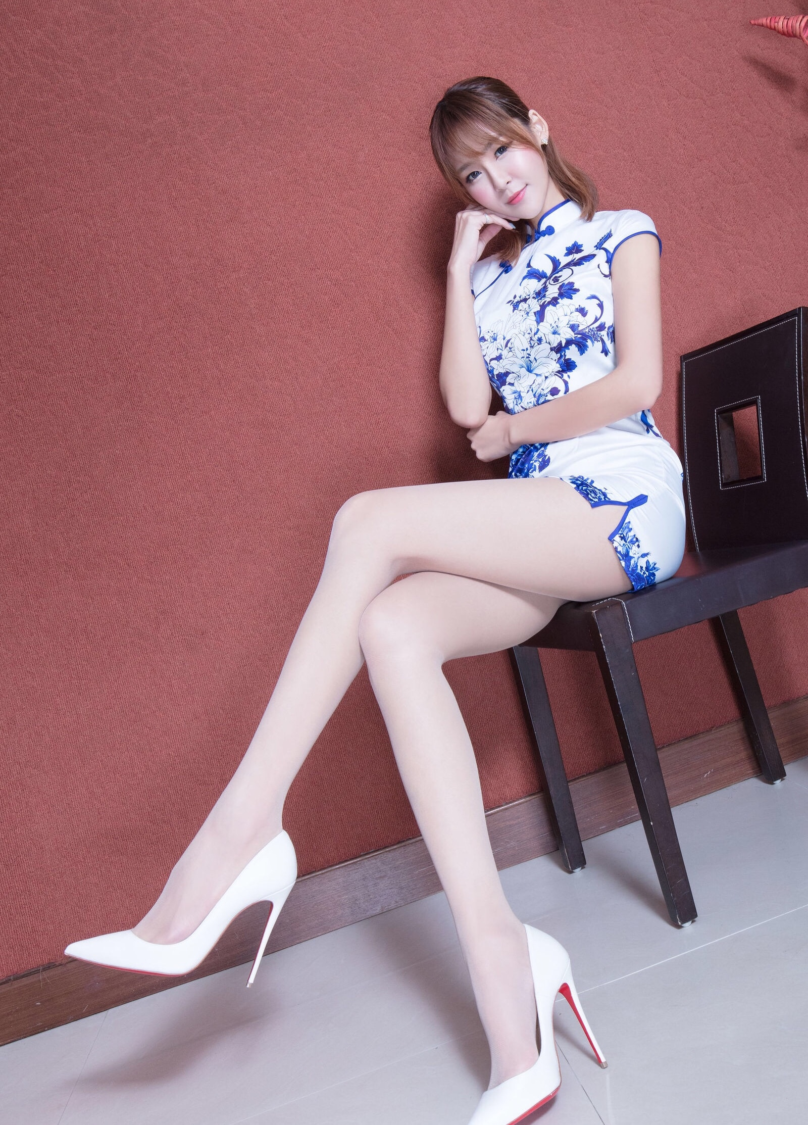 beautyleg model winnie(青花旗袍肉丝) 15