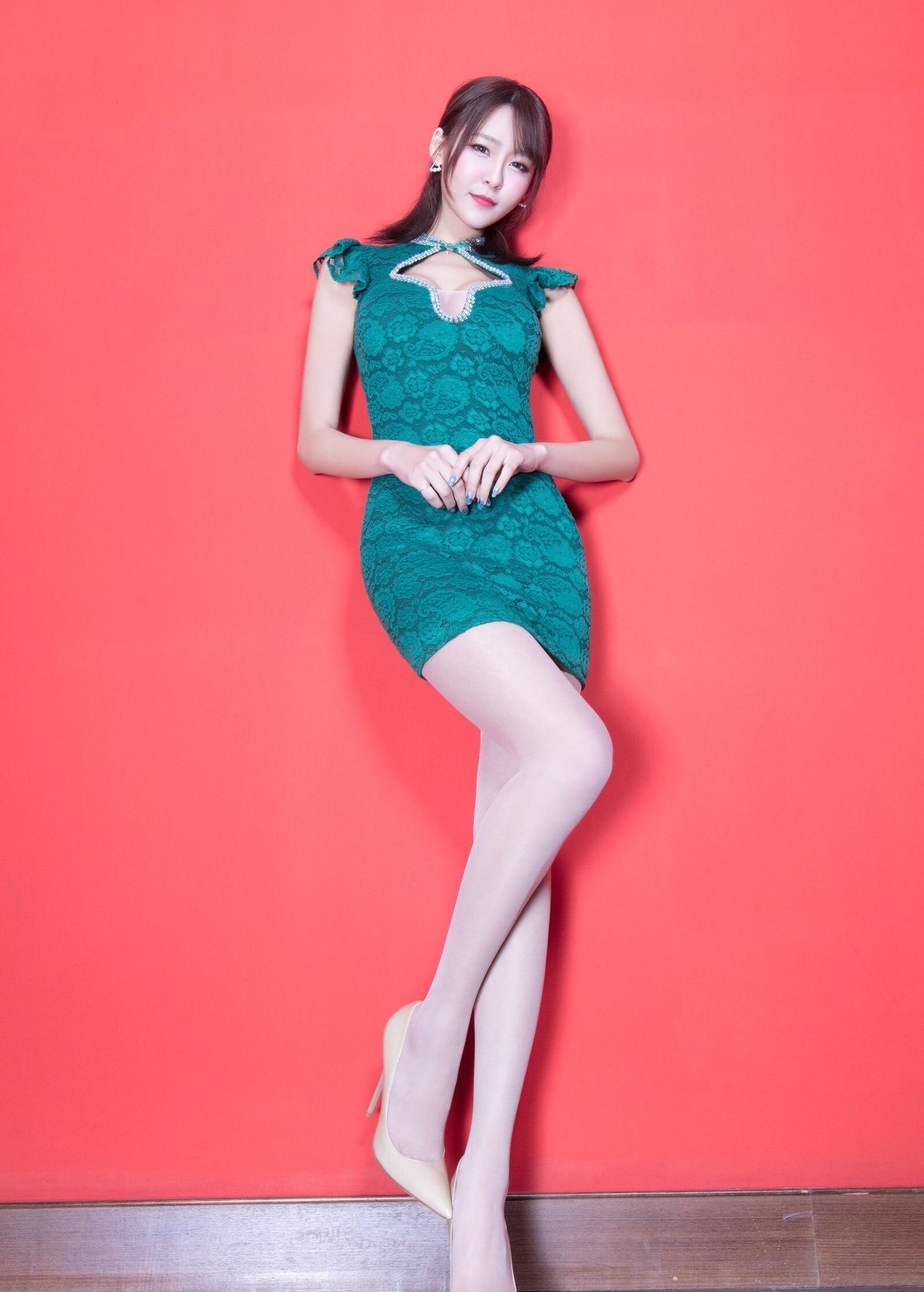 Winnie小雪(旗袍美腿)