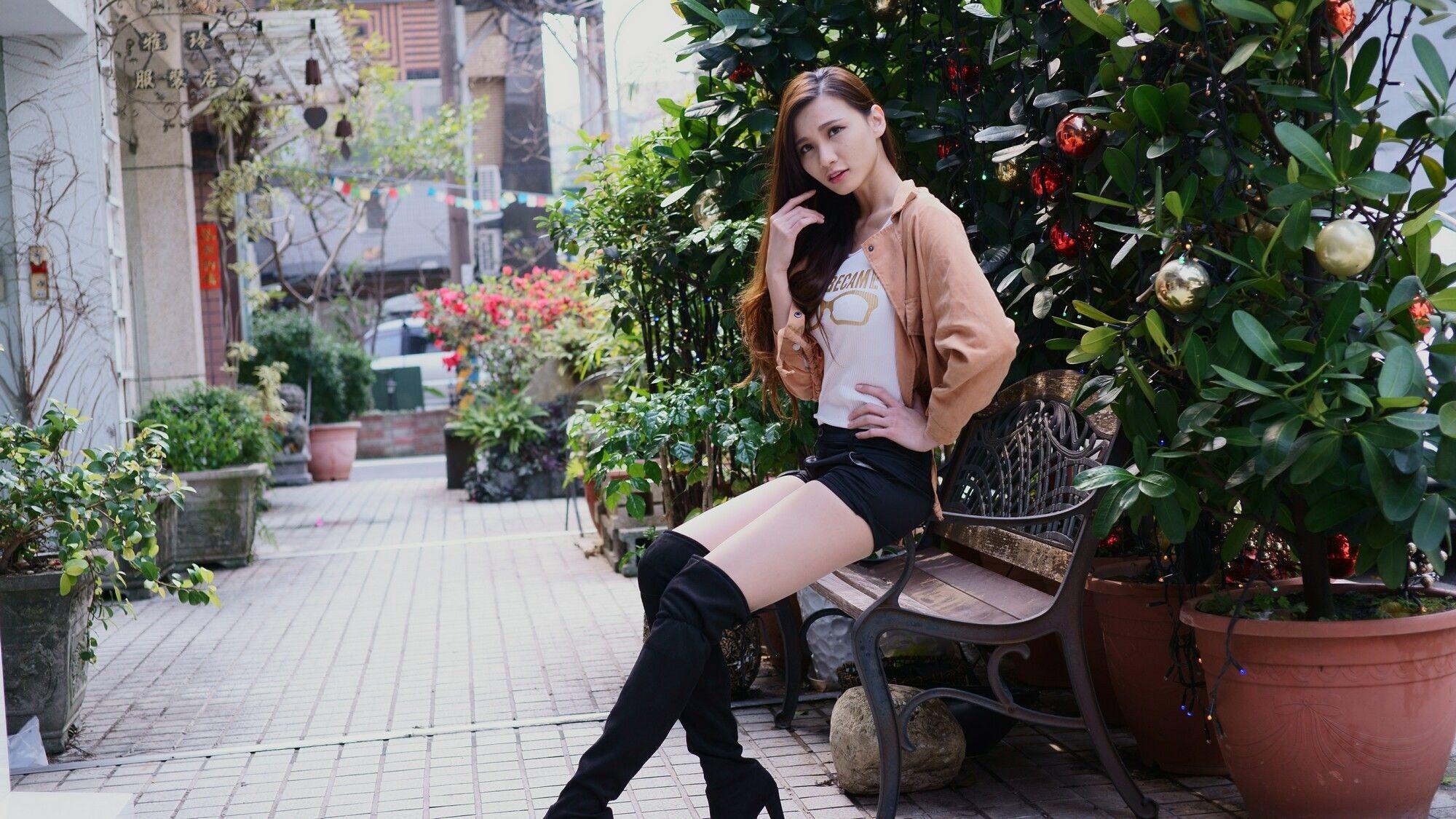 ニーハイブーツを履いた台湾美女Candice 5