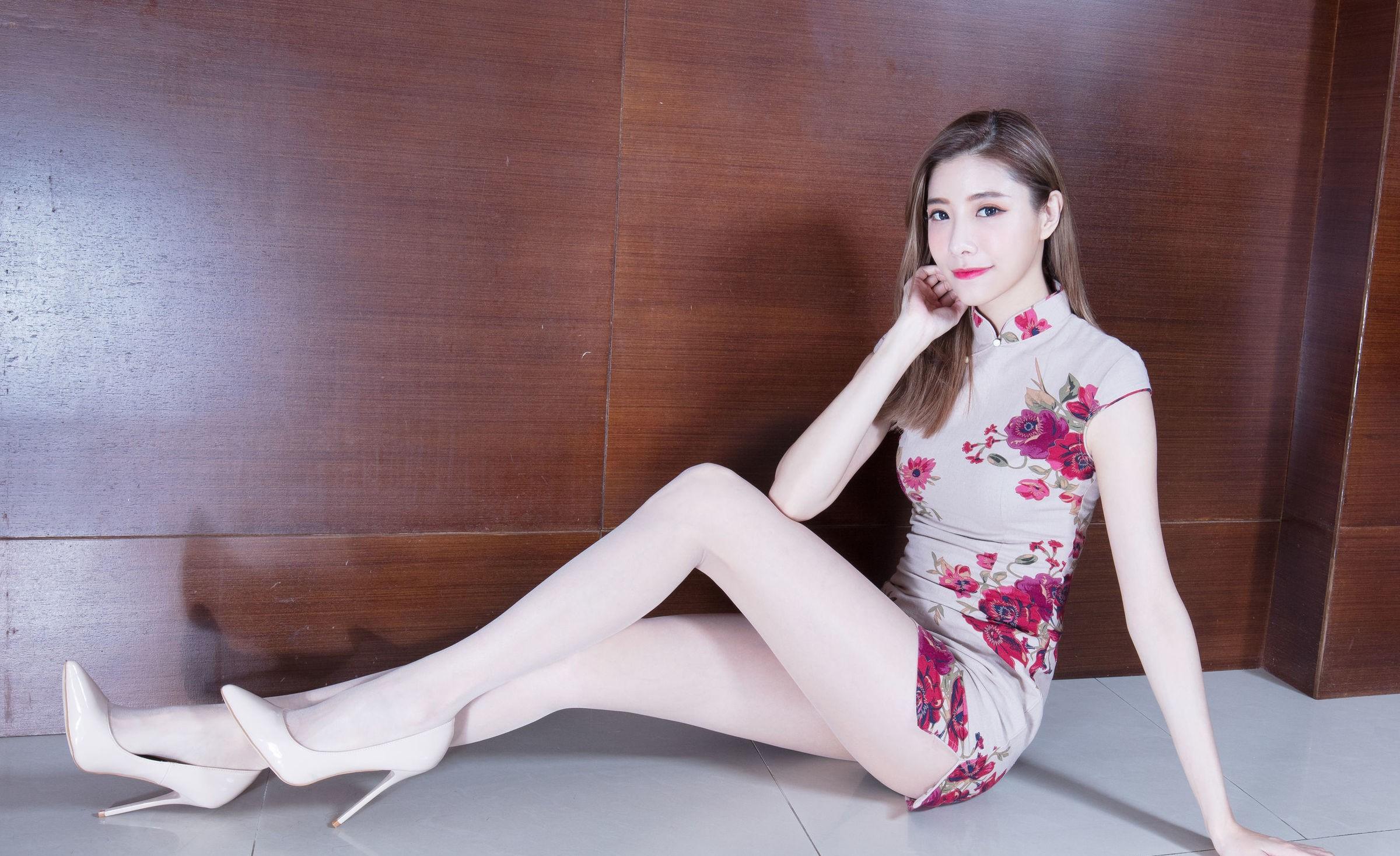 花柄チャイナドレスがセクシーなBEAUTYLEG Abby 8