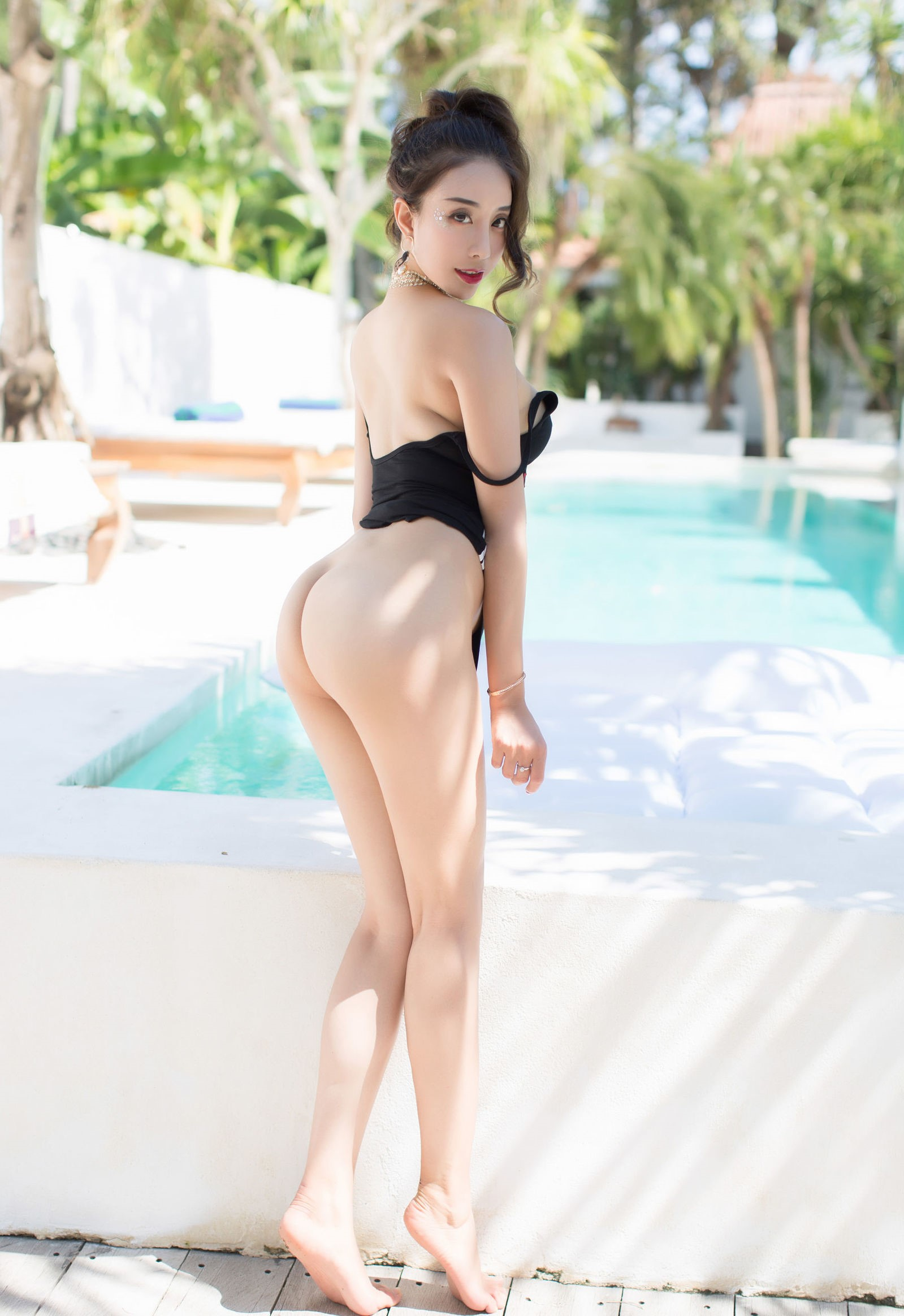 luxury asian babe wearing swim suite 18