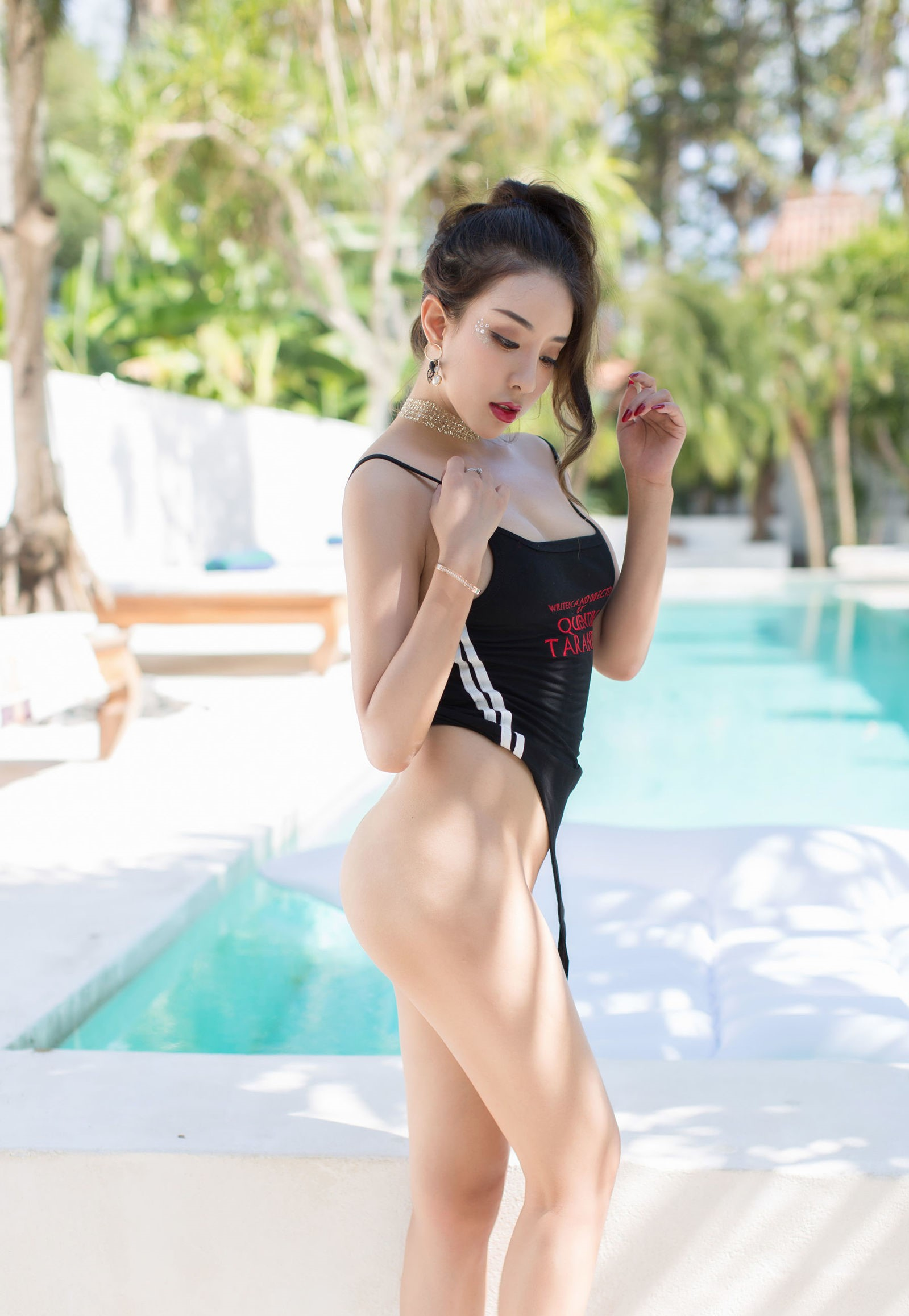 luxury asian babe wearing swim suite 20