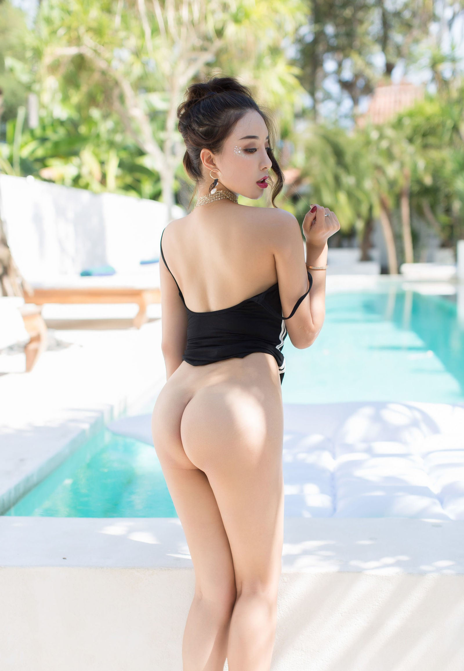 luxury asian babe wearing swim suite 21