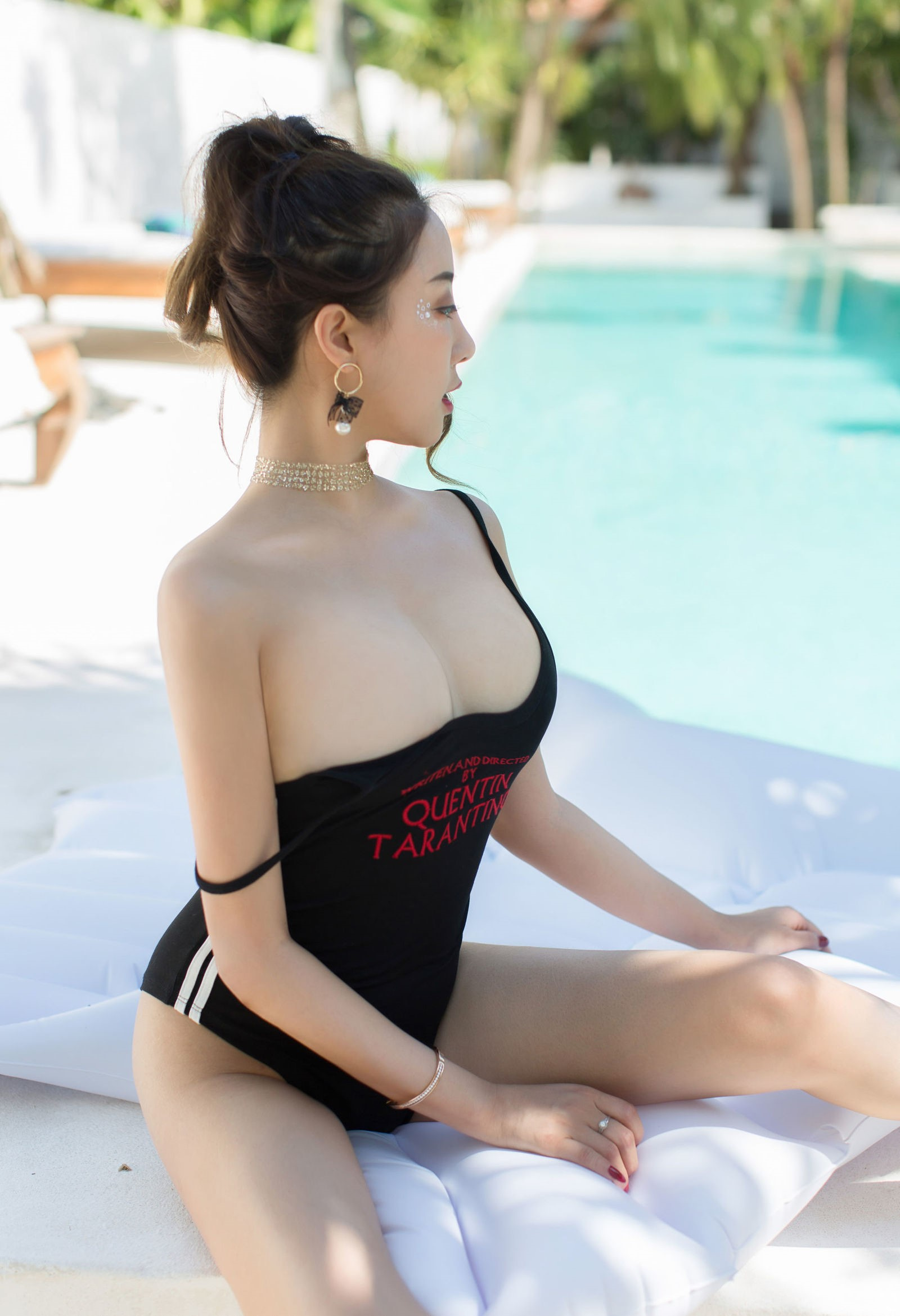 luxury asian babe wearing swim suite 4