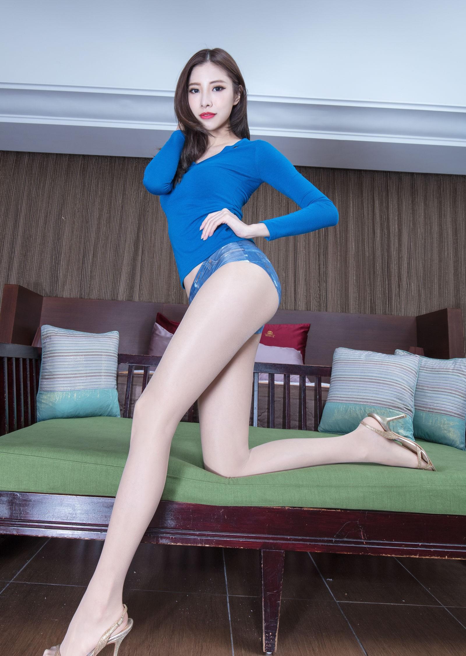 BEAUTYLEG Abbyの圧倒的な美脚