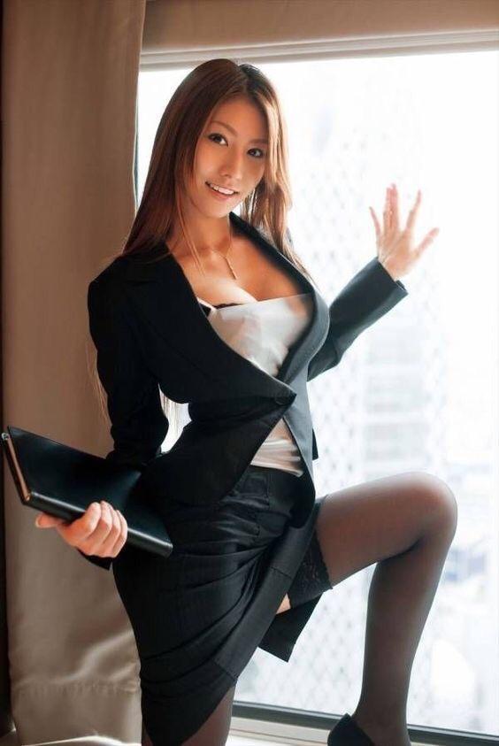 麗しの美人秘書