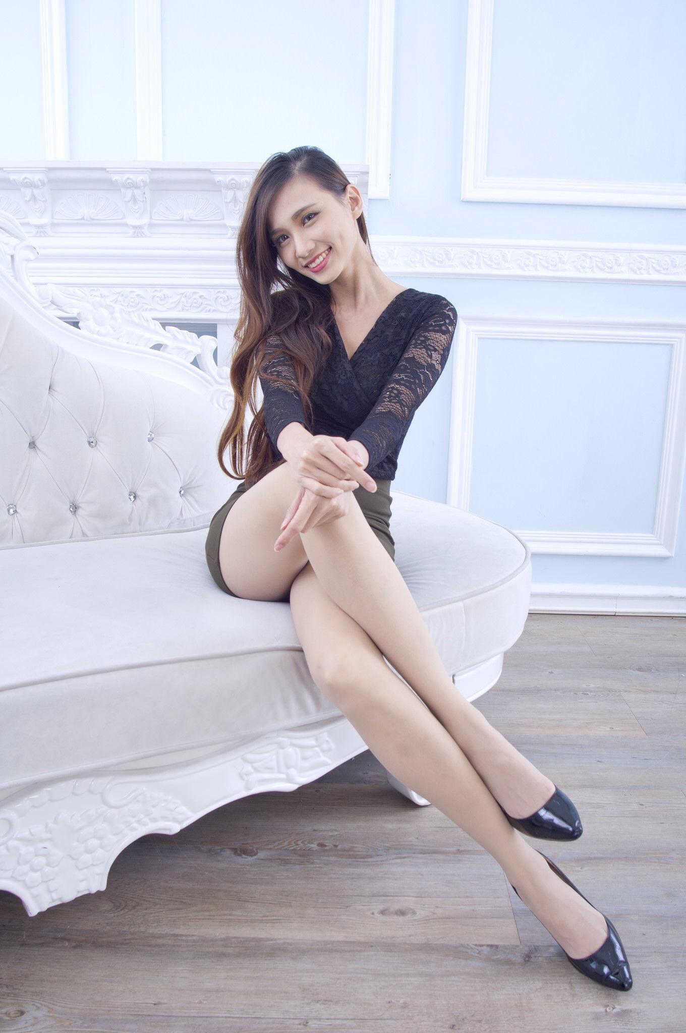 Taiwan Pretty Girl Cai Yi Xin Heels 4