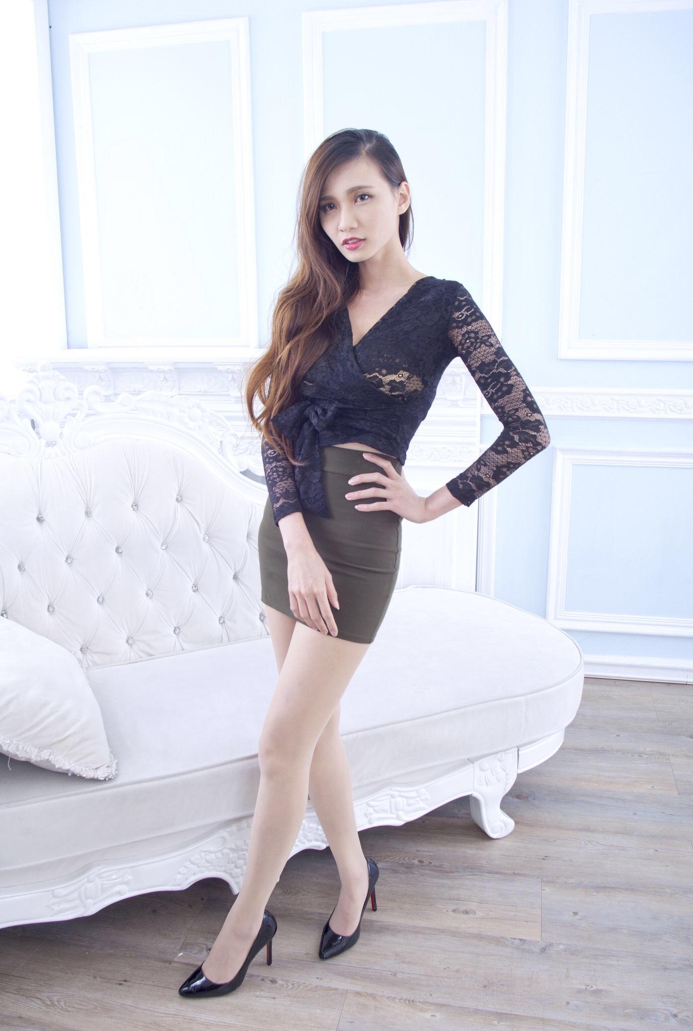 Taiwan Pretty Girl Cai Yi Xin Heels 13