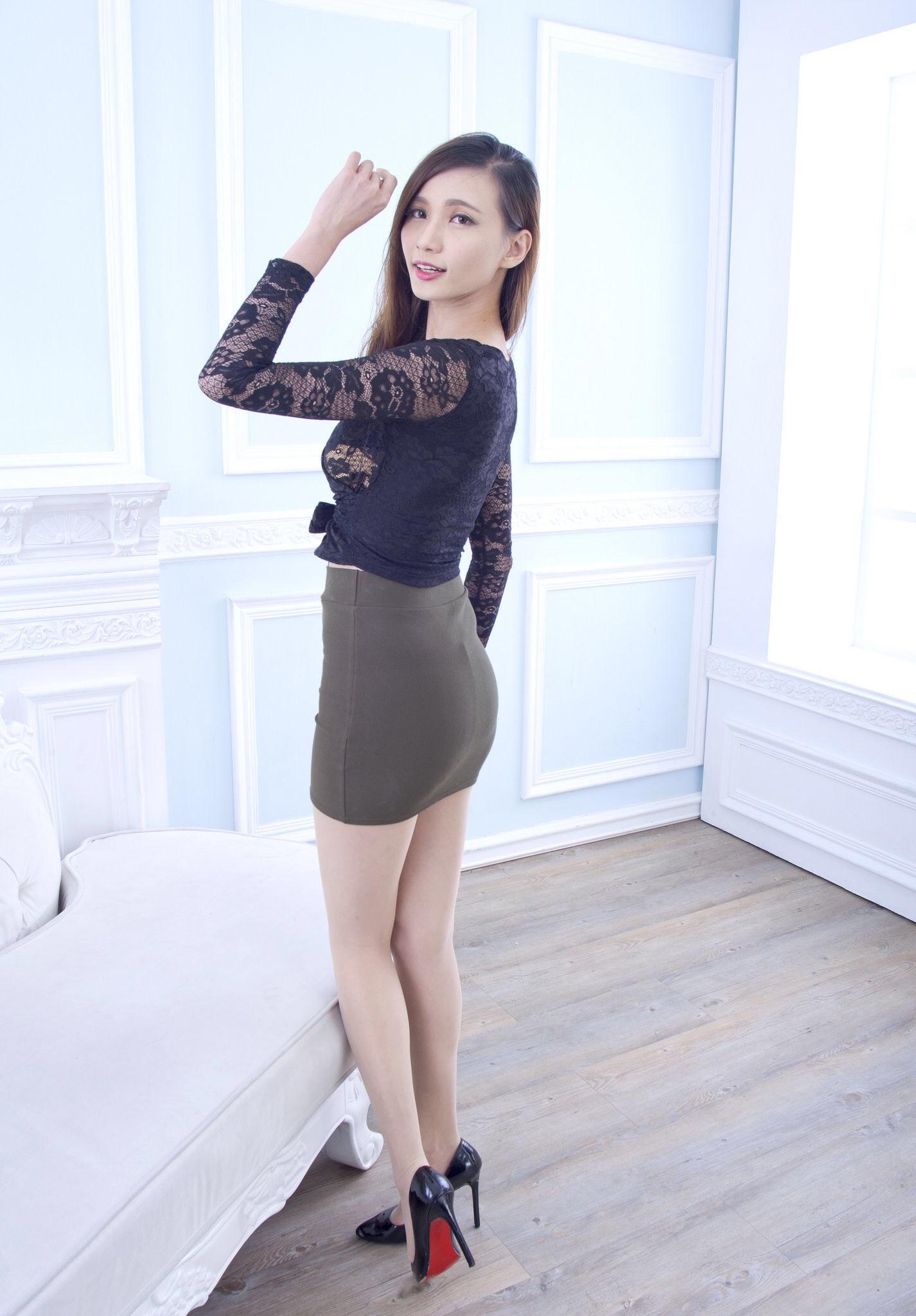 Taiwan Pretty Girl Cai Yi Xin Heels 15