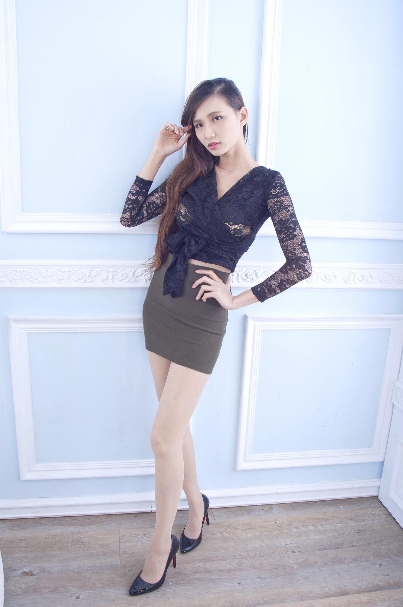 Taiwan Pretty Girl Cai Yi Xin Heels 17
