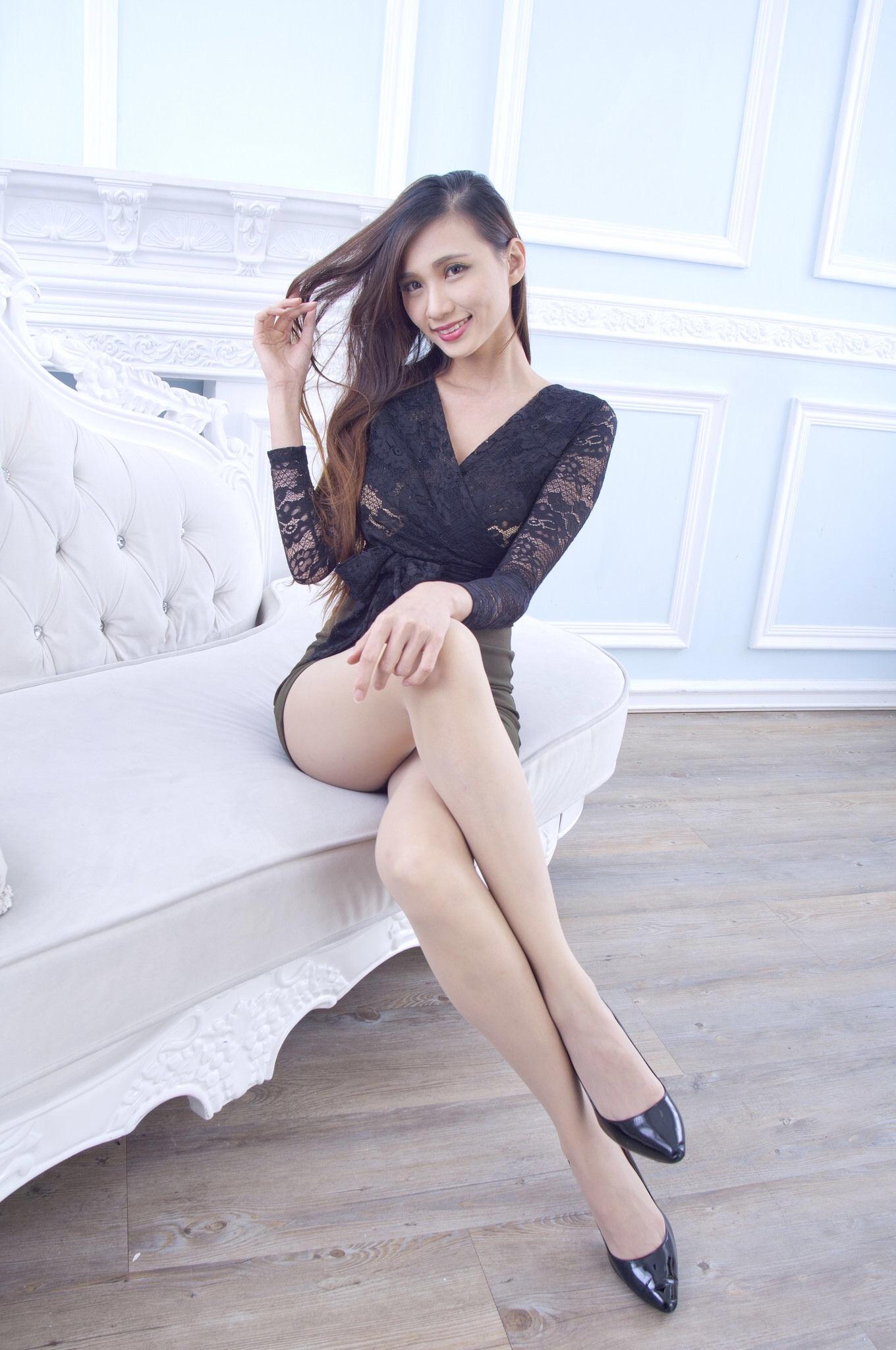 Taiwan Pretty Girl Cai Yi Xin Heels 18