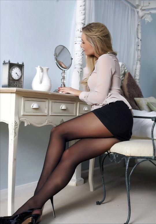 エロい下着の外国人美女 12