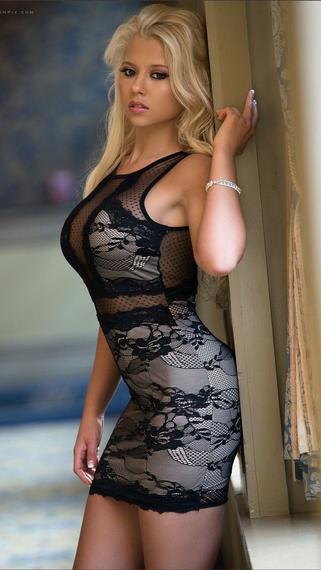 hot blonde babe wearing body conscious