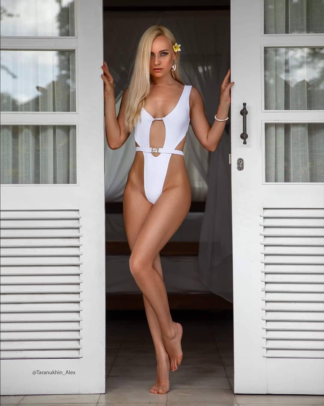 evgenia taranukhina's sexy bikini