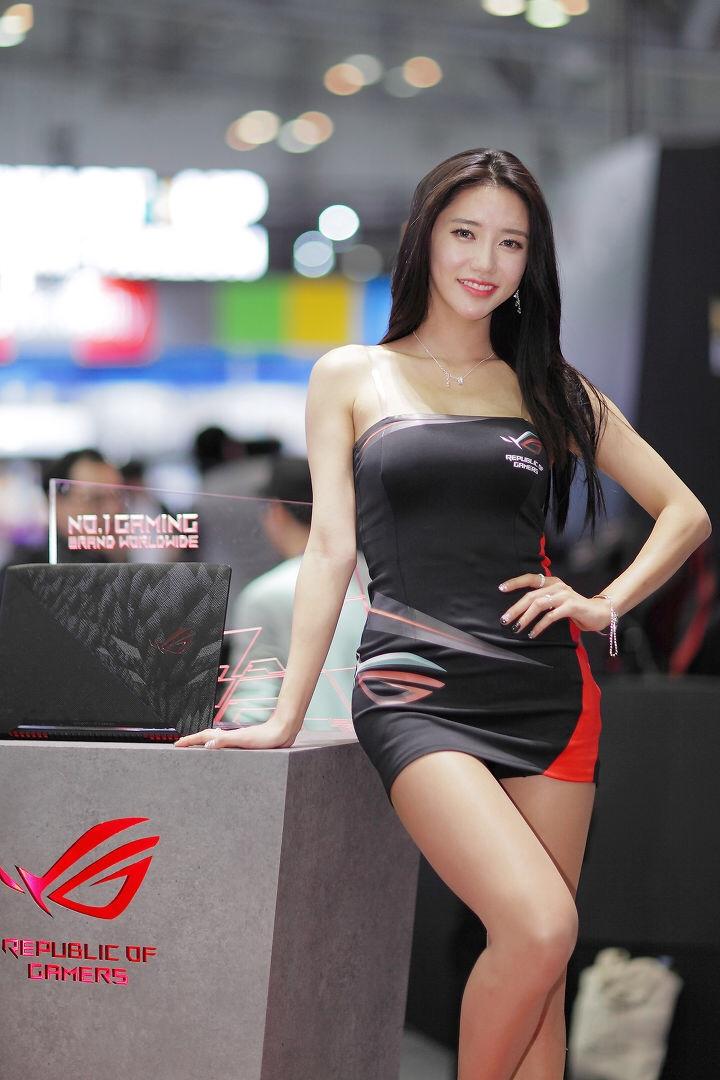 韓国のレースクイーンIm sola 18