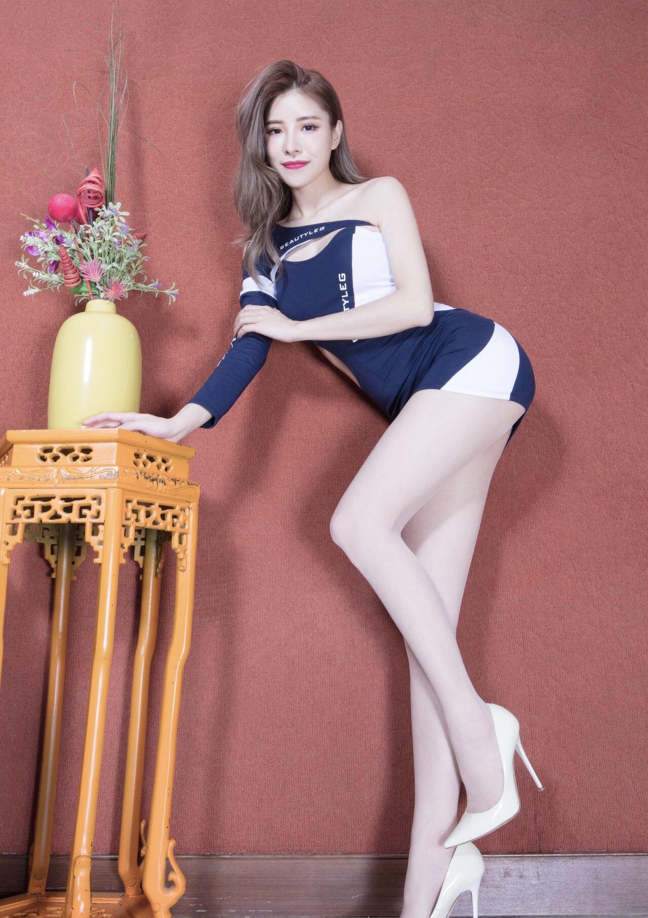 エロさの次元が違う台湾美女の脚フェチ美脚画像(12pics)