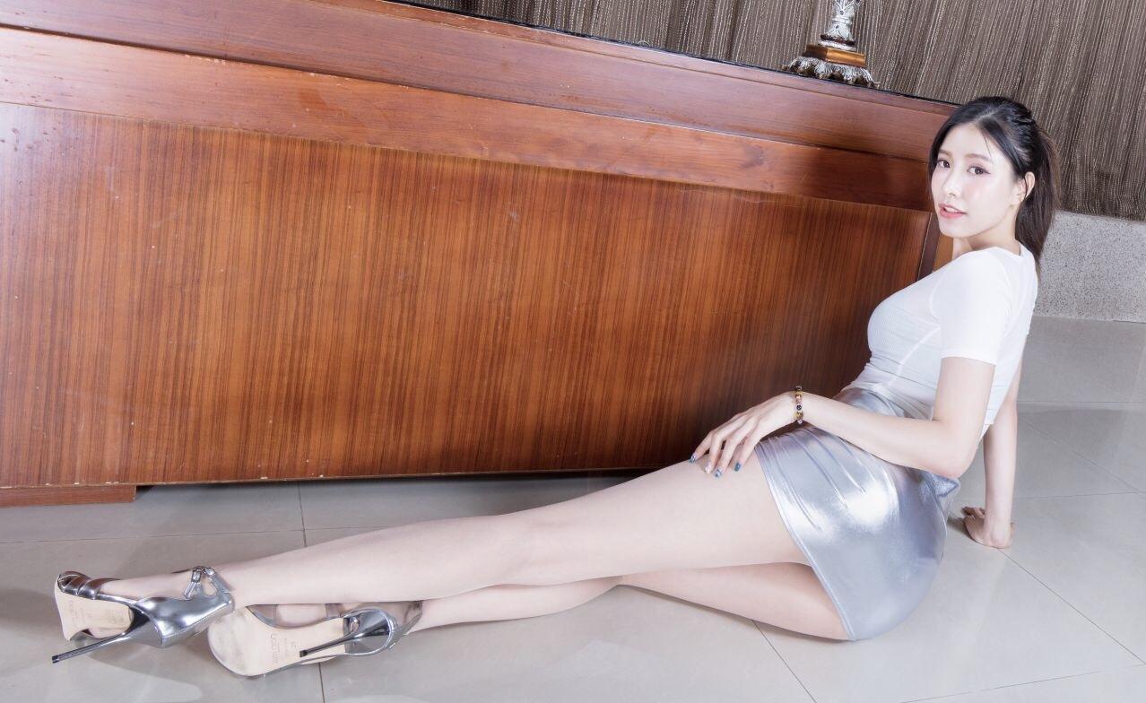 BEAUTYLEG Abbyのムチムチ美脚 11