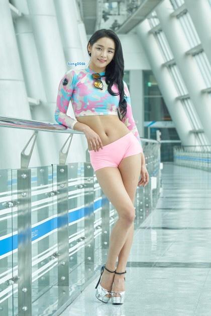 釜山国際ボートショーモデルソヨンの美脚 13