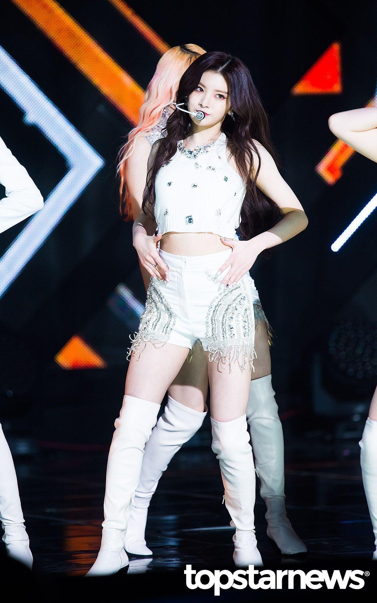 K-popアイドルeverglowのYiren 6