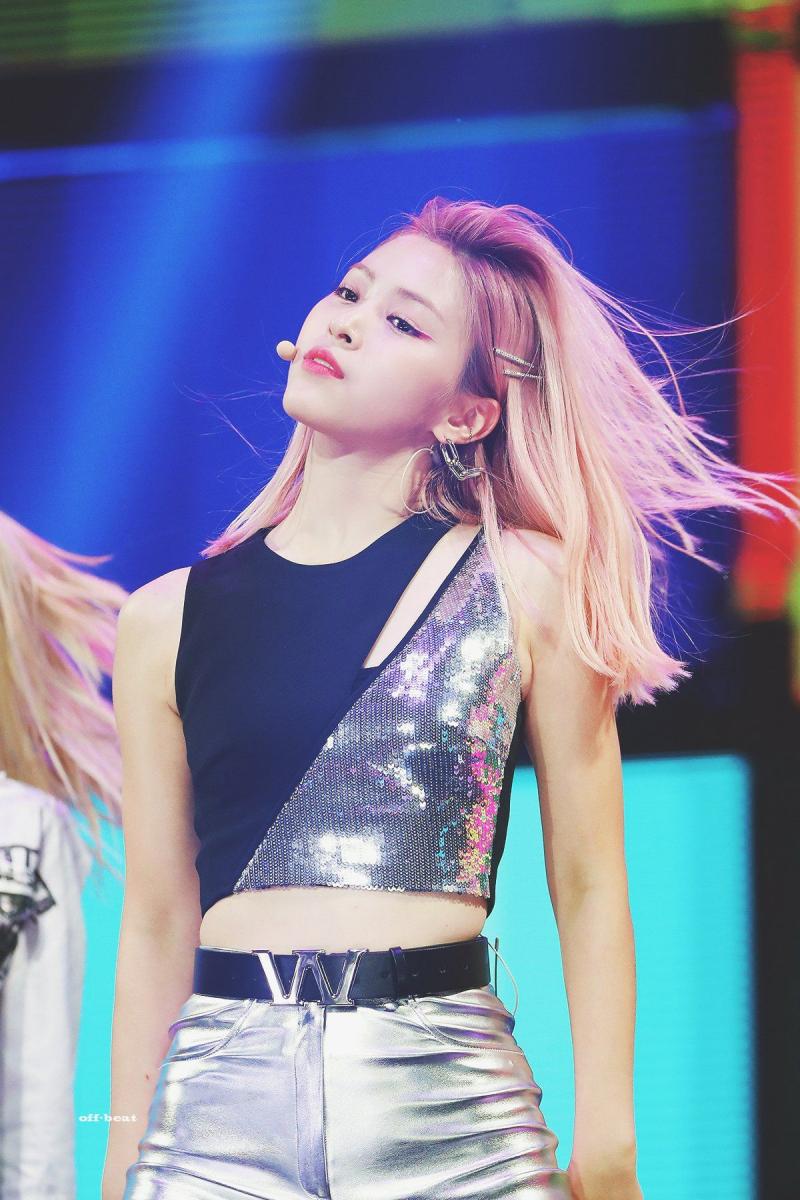 K-popアイドルITZYのリュジン 3