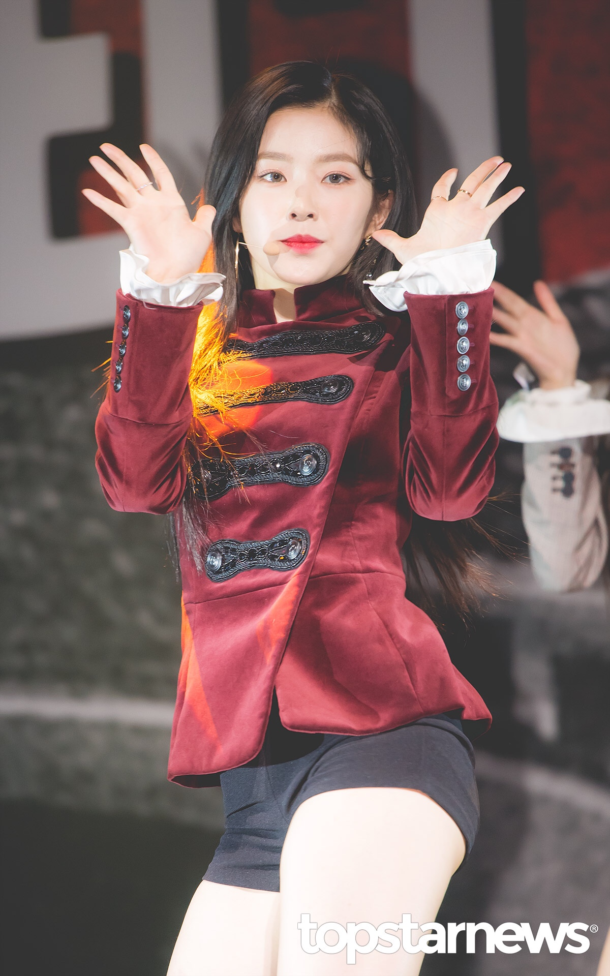 Red Velvet Ireneのセクシーな美脚 8