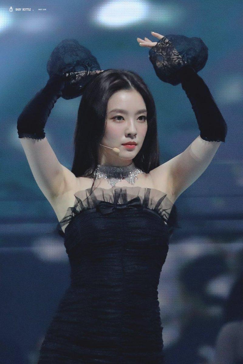 黒いドレスがセクシーなRed velvet Irene 3