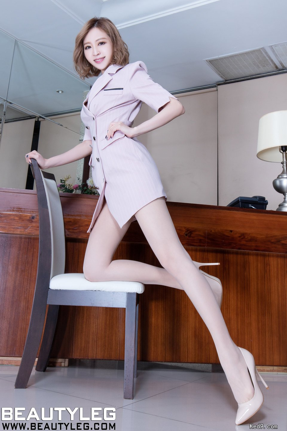 No.1316 BEAUTYLEG LucyのOL美脚画像(25pics)