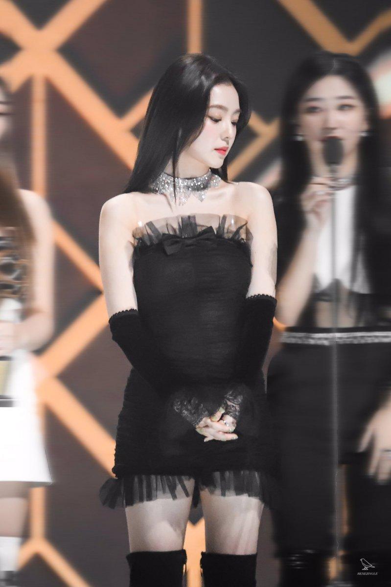 黒いドレスがセクシーなRed velvet Irene 11